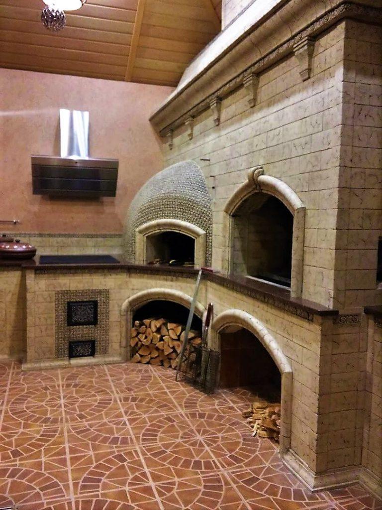 Печной комплекс с декором комнаты отдыха