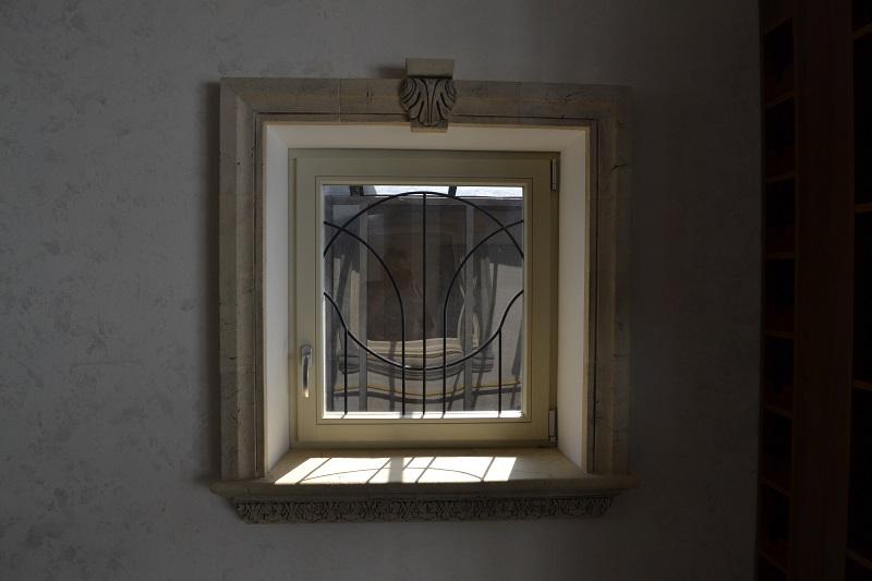 Декор окна и подоконника №1